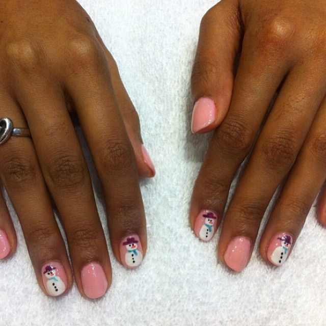 nails by natalie rose london mobile technician christmas Shellac Strawberry Smoothie with Shellac Romantique manicure