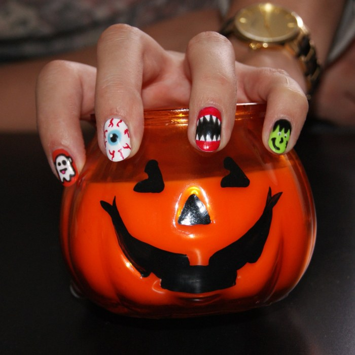 nails by natalie rose mobile nail london Halloween Shellac Rock Royally manicure