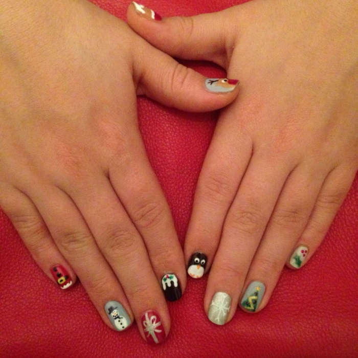 nails by natalie rose mobile london nail technician christmas santa dalston manicure
