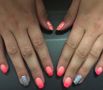 nails by natalie rose london mobile nail technician manicure pedicure glittering ring neon pink and neon orange ombre and flowers