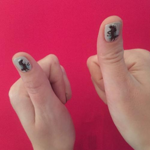 nails by natalie rose london mobile nail technician manicure pedicure t-rex dinosaur nail art lancaster gate