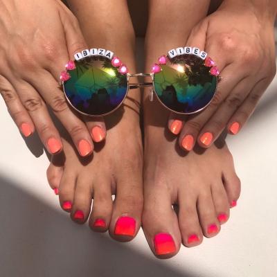 Ibiza Vibe nails
