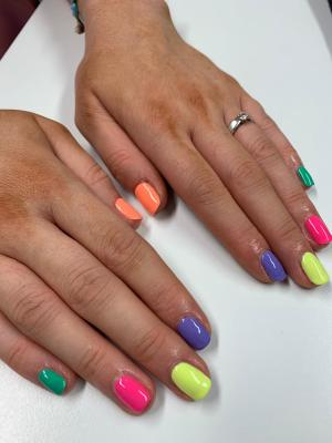 Nails by natalie rose mobile manicures london neon